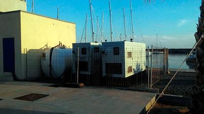 Alquiler de grupos electrógenos con depósito de 2.000 L en el puerto marítimo