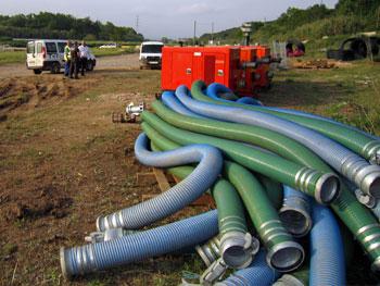 TST Bombeo desvía el curso del río Besós con el alquiler de bombas de agua diesel supersilenciadas