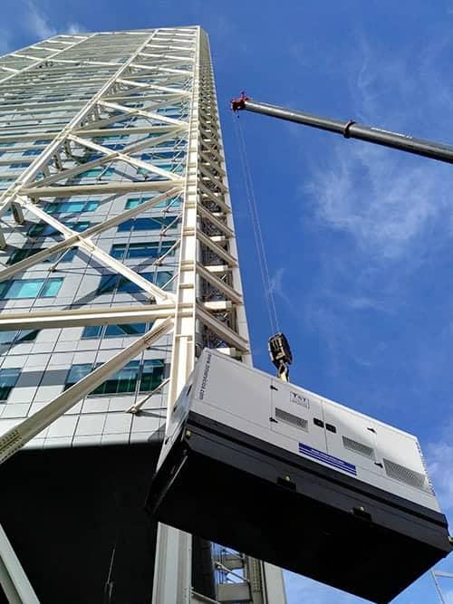 Instalación de grupo electrógeno en Hotel Arts un reto de altura