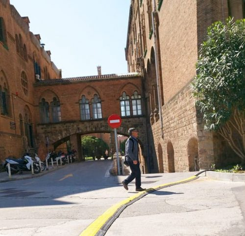 Alquiler pasacables barcelona 500x481 - Hospital de Sant Pau conectado al arte