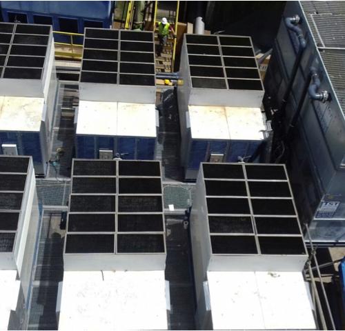 8 torres de refrigeración, con un consumo de 217 kw de potencia eléctrica
