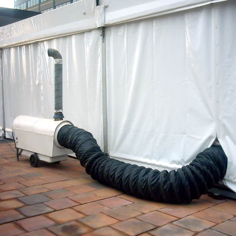 Generadores de aire caliente en carpa