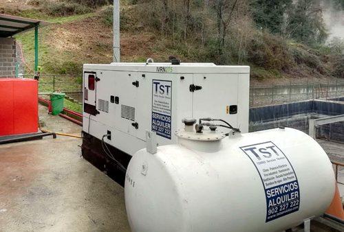 Grupo electrógeno y depósito para una obra en Urkizu.
