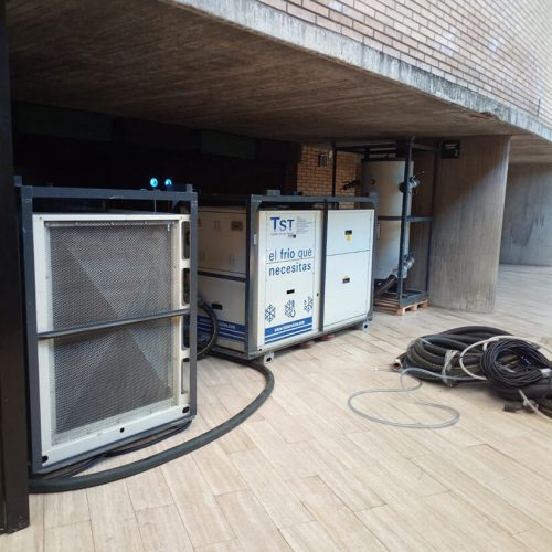 Torres servicios Técnicos climatiza un edificio público