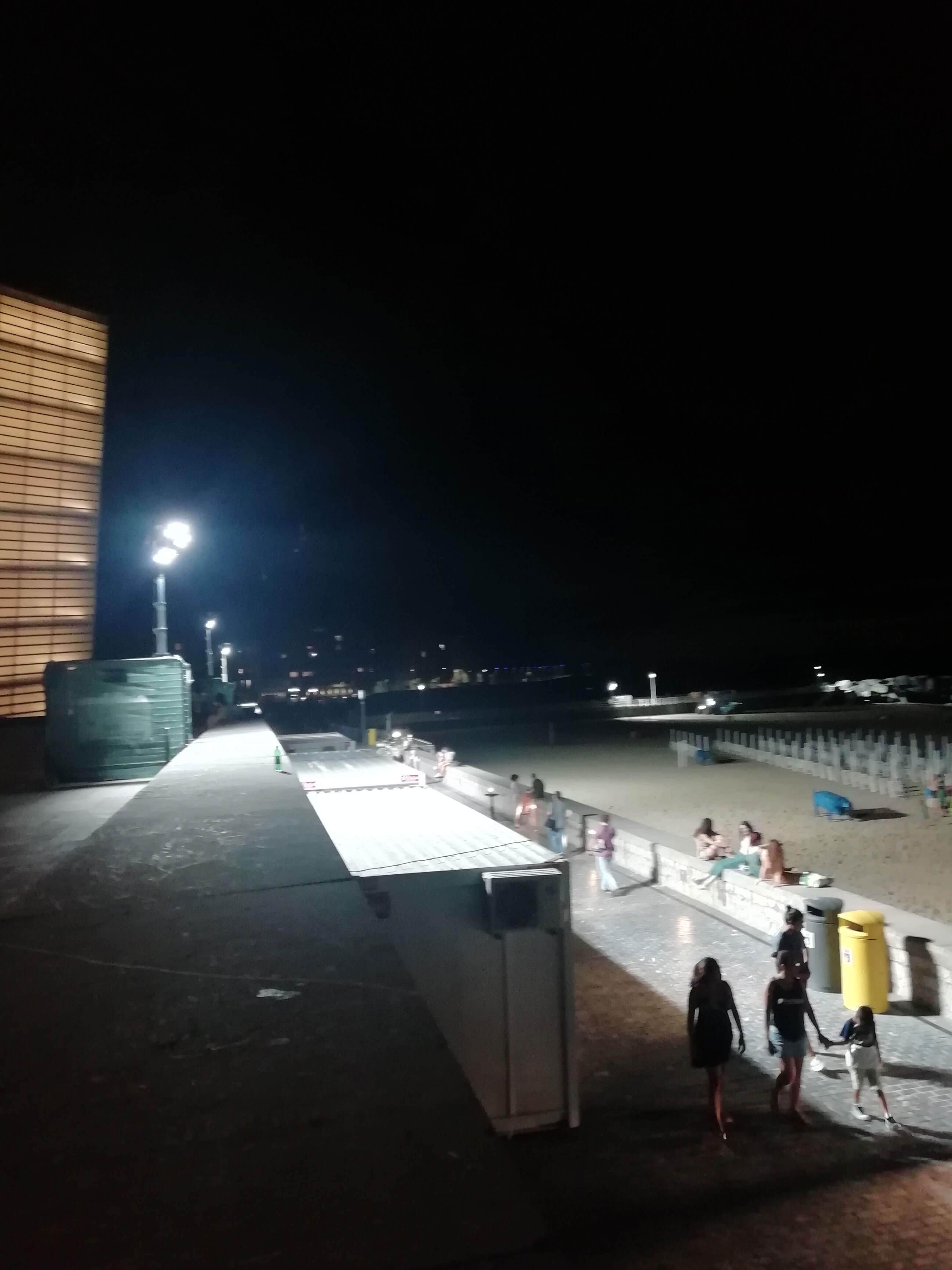 Torre de iluminación autónoma