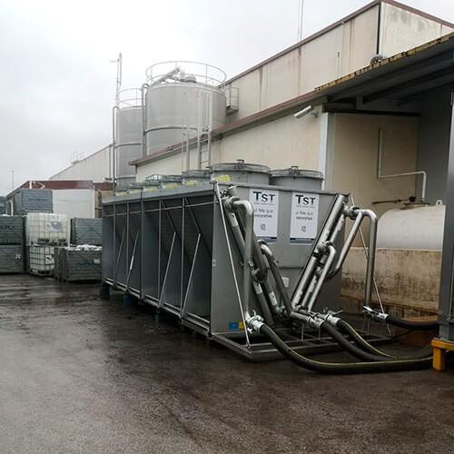 Instalación de enfriadora TST en factoría